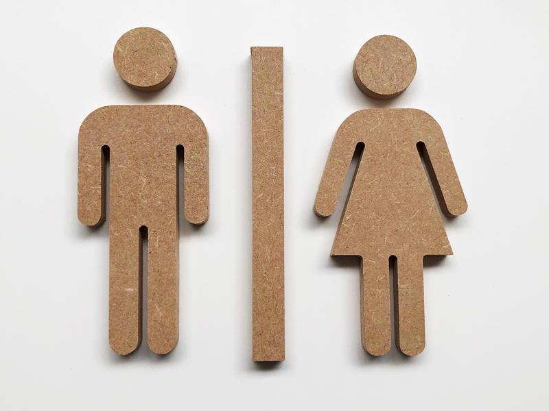 Decoupe en bois d'une forme vectorielle pour WC
