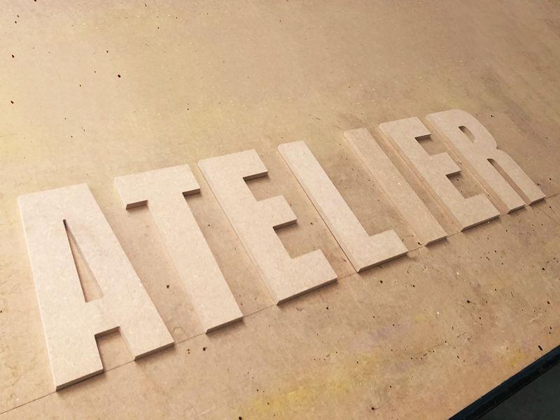 Lettres découpées en bois - Enseigne en KIT en lettres découpées